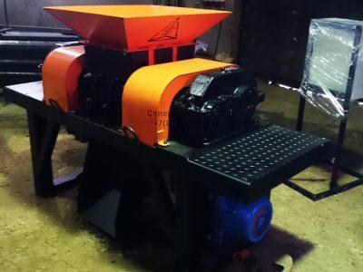 Шредер двухвальный промышленный универсальный измельчитель отходов